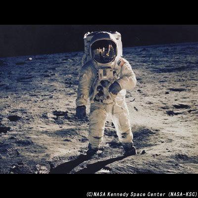 アポロ11号で月に着陸したバズ・オルドリン.jpg